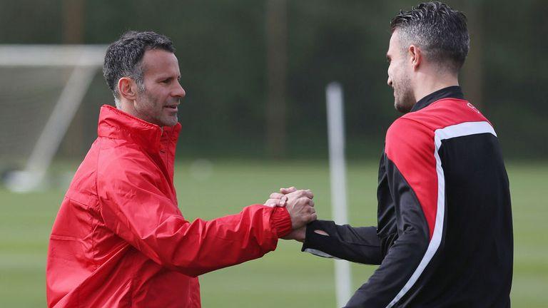 Robin van Persie (r): Likens Ryan Giggs to Sir Alex Ferguson