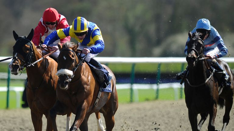 Oisin Murphy riding Olivers Mount to victory