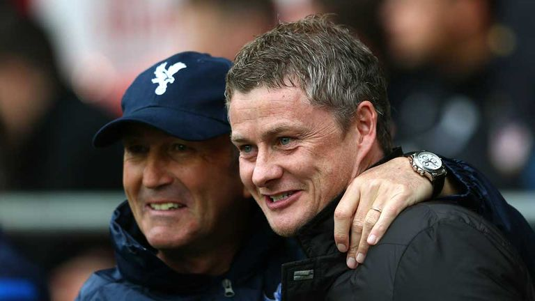 Pulis and Solskjaer: Managers all smiles before kick-off