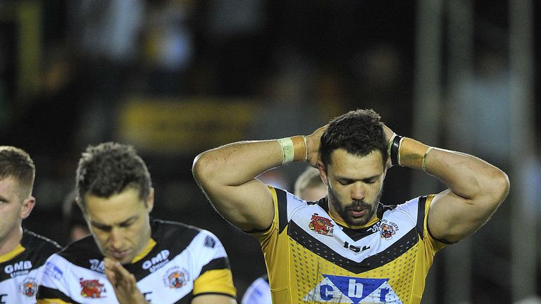 Frankie Mariano (right) has extended his Castleford contract
