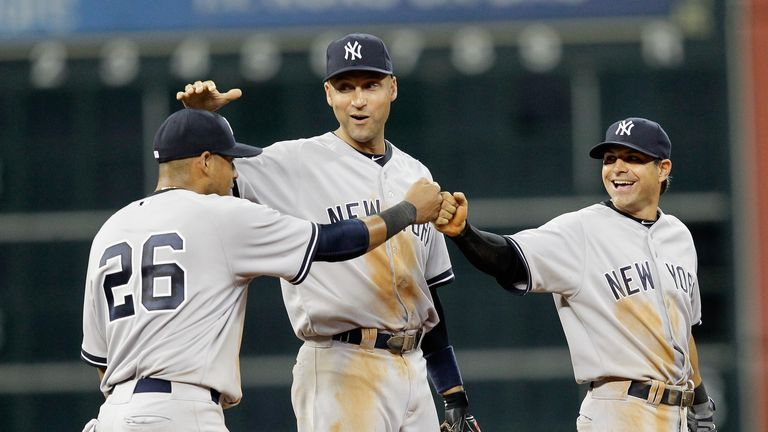 Yangervis Solarte (left): Congratulated by Derek Jeter and Brian Roberts