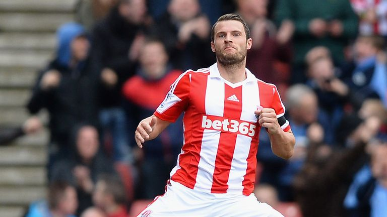 Erik Pieters: Stoke full-back not expecting World Cup call