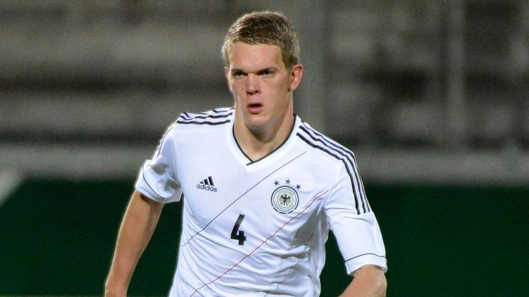 Matthias Ginter: Set to stay at Freiburg for at least one more year