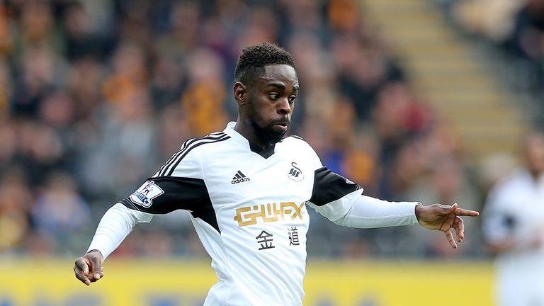 Nathan Dyer: Swansea host Chelsea on Sunday