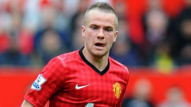 Manchester United: Tom Cleverley backs assistant manager Ryan Giggs.