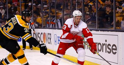 NHL: Datsyuk stars for Detroit