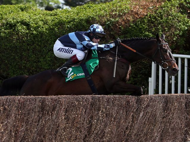 Menorah and Richard Johnson win the Oaksey Steeple Chase