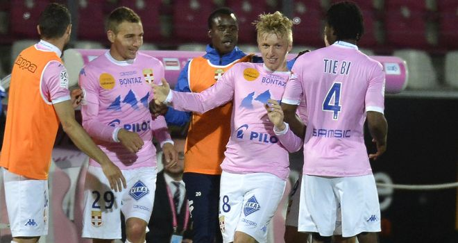 Evian celebrate Daniel Wass' winner