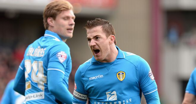 Ross McCormack: Celebrates his goal for Leeds