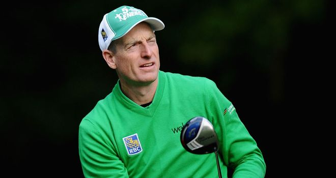 Jim Furyk: Flawless 66 to take share of the lead