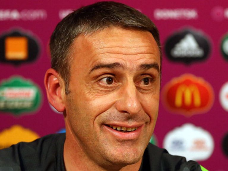 Paulo Bento: Extended his contract until after Euro 2016.