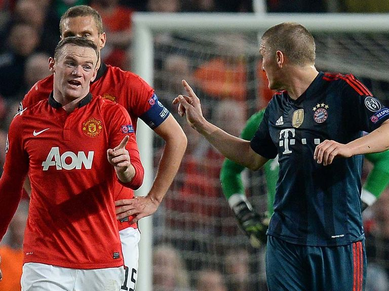 Rooney and Schweinsteiger exchange words at Old Trafford