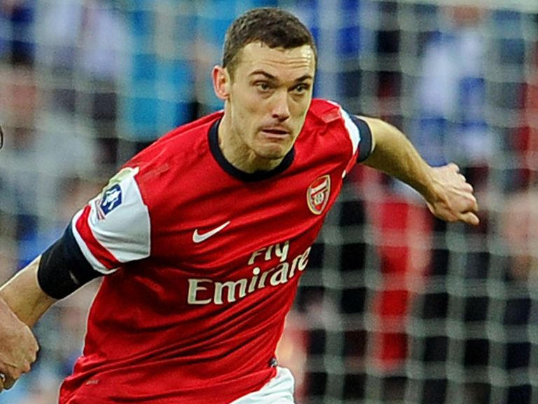 Thomas Vermaelen: Arsenal captain dismisses talk of a move to Manchester United