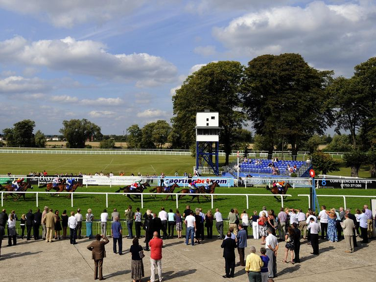 Clear Spring could be a popular winner at Windsor tonight
