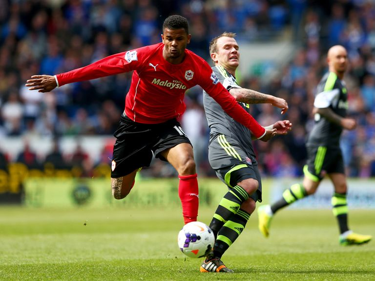 Fraizer Campbell (l): Crystal Palace have signed the striker from Cardiff City
