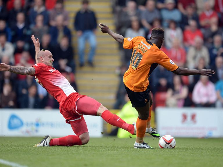 Bakary Sako scores for Wolves