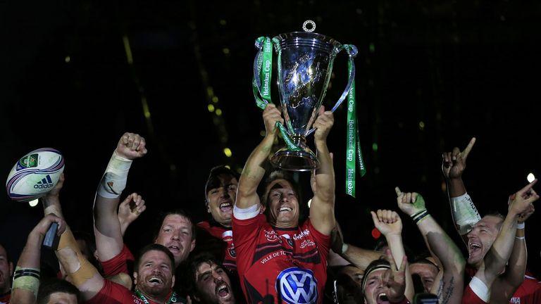 Jonny Wilkinson hoists aloft the Heineken Cup
