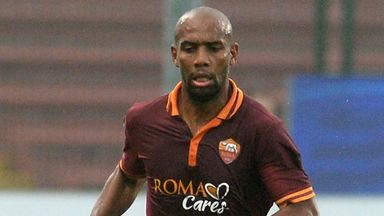 Maicon: Hopes for a new deal at Roma