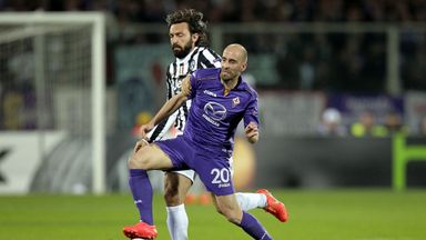 Borja Valero: Signed a new deal