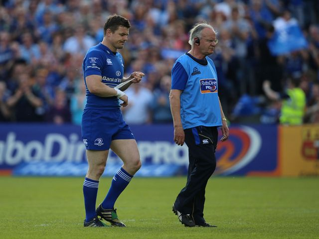 Brian O'Driscoll leaves the field