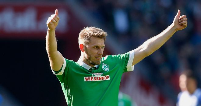 Aaron Hunt netted twice for Werder Bremen