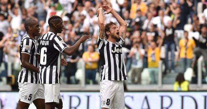 Claudio Marchisio (right) of Juventus celebrates