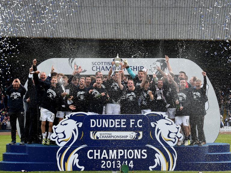 Dundee collect the Championship trophy