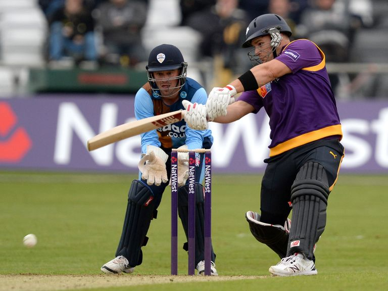 Aaron Finch could only make 19 on his T20 debut for Yorkshire Vikings.