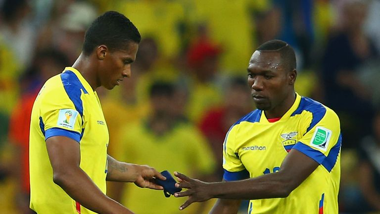 Antonio Valencia: Hands over armband after being sent-off