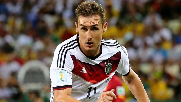 Miroslav Klose: Found life hard under Louis van Gaal