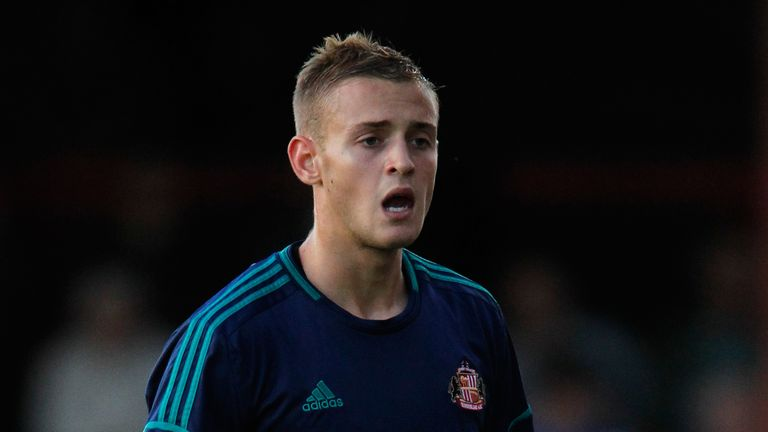Louis Laing: Defender signs for Nottingham Forest