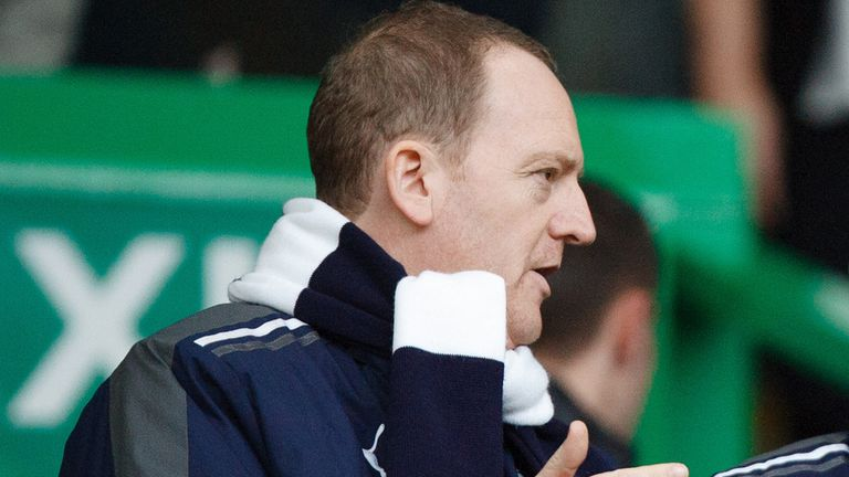 Dundee chief executive Scot Gardiner is to leave Dens Park at the end of the month