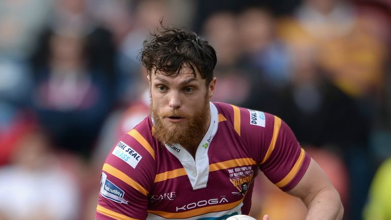 Scott Grix: Returns to Giants' squad