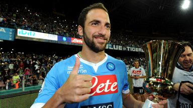 Gonzalo Higuain: Wants to stay at Napoli despite Barcelona links
