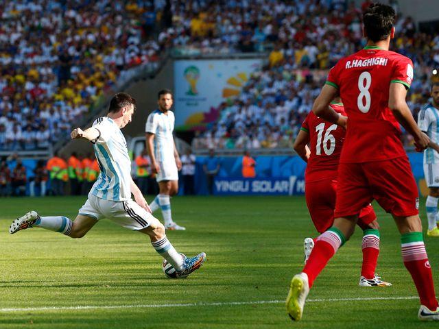 Lionel Messi scores Argentina's winner