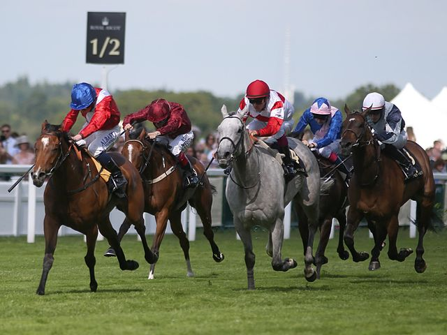 Intergral quickens clear in the Duke of Cambridge Stakes
