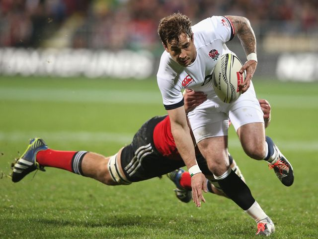 Danny Cipriani of England breaks clear with the ball