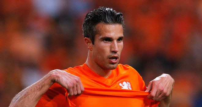 Robin van Persie: Not worried at all about minor injury