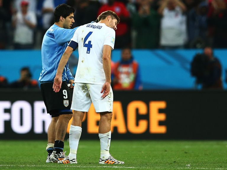 Steven Gerrard with Luis Suarez after England's defeat