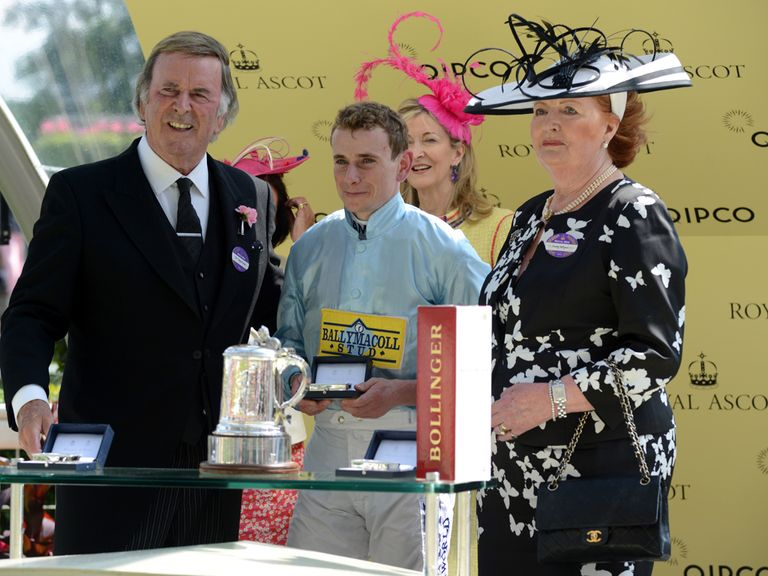 Sir Terry Wogan and Lady Wogan present The Duke of Edinburgh Stakes award to Ryan Moore