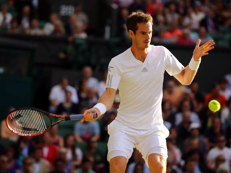 Andy Murray en route to a straight-sets win in round three