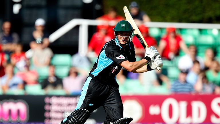 Tom Kohler-Cadmore: Worcestershire batsman out for 99
