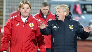 Stuart McCall (l) and Gordon Strachan on Scotland duty against Serbia last year