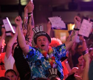 world matchplay darts live