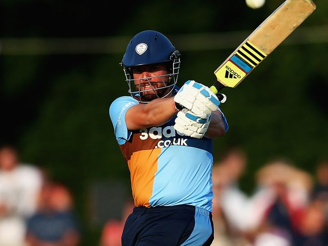Wes Durston: Century for Derbyshire