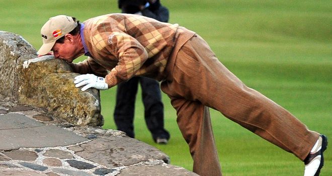 Tom Watson: Kisses the Swilcan Bridge in The 2010 Open