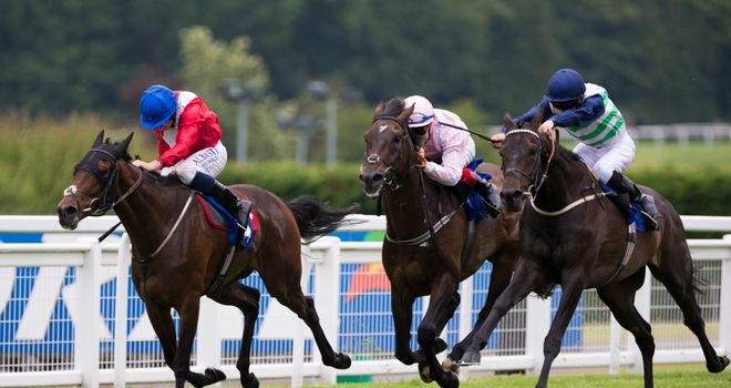 Havana Beat ridden by David Probert (right) wins the Coral Marathon in a photo finish from Repeater.