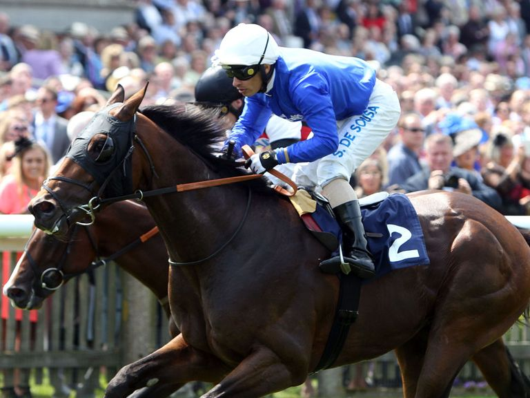 Golden Town wins at Newmarket
