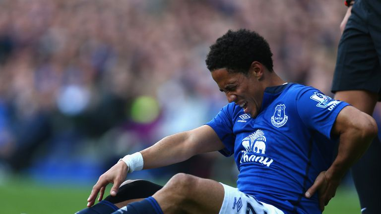 Steven Pienaar will be sidelined for Chelsea's visit to Goodison Park