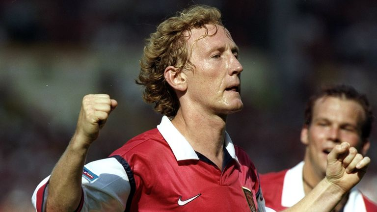 Ray Parlour celebrates scoring the winner for Arsenal against Manchester United in the 1999 final